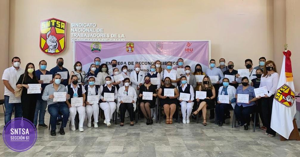 Entrega de reconocimientos por término de la «Maestría en Administración en Instituciones de Salud»